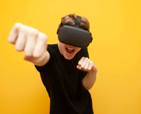 Use your VR and computer gaming system with free energy at night